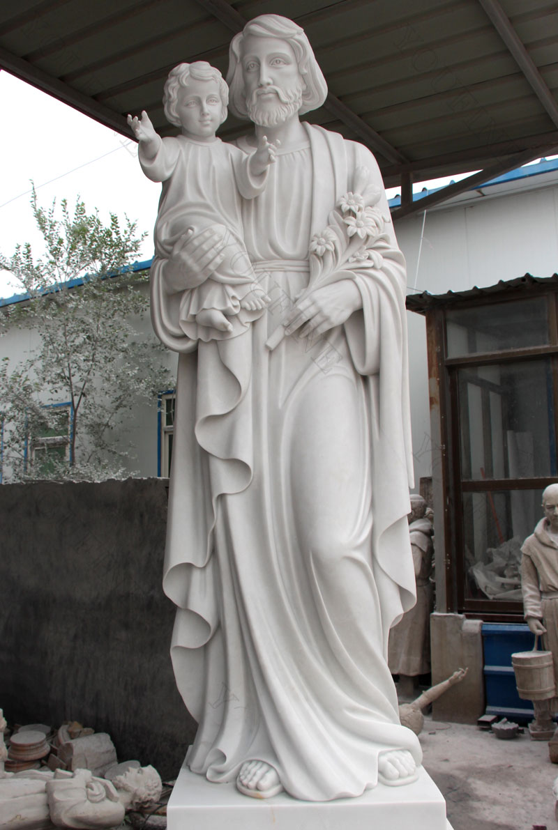 Large religious statues of St.Joseph with baby jesus for outdoor designs