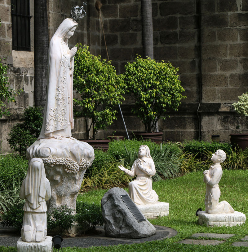 Where to buy religious statues our lady of fatima with three shepherd garden statues