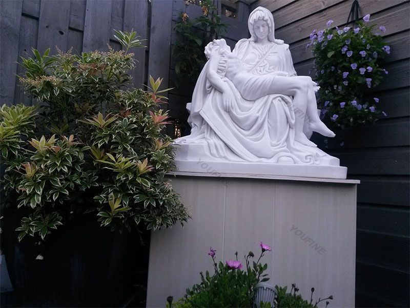 religious statue Michelangelo-Pieta-Stone-Mother-Virgin-Mary-and-jesus-statues-for-garden
